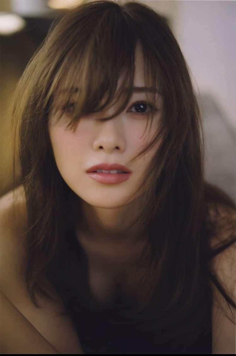 福山雅治、乃木坂46白石麻衣との2ショット公開で「これぞ美男美女」「奇跡の1枚」歓喜の声