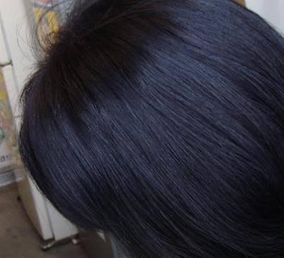 髪の毛何色ですか?