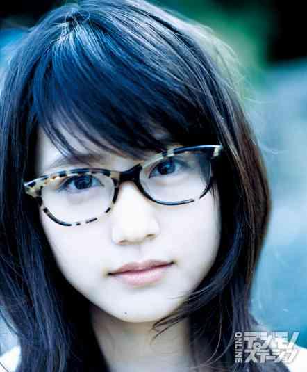 可愛いのにメガネかけてると勿体ないと思いますか?