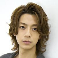 「灰谷先生かと思った」 三浦翔平、白衣姿が「コード・ブルー」の成田凌にそっくりの声