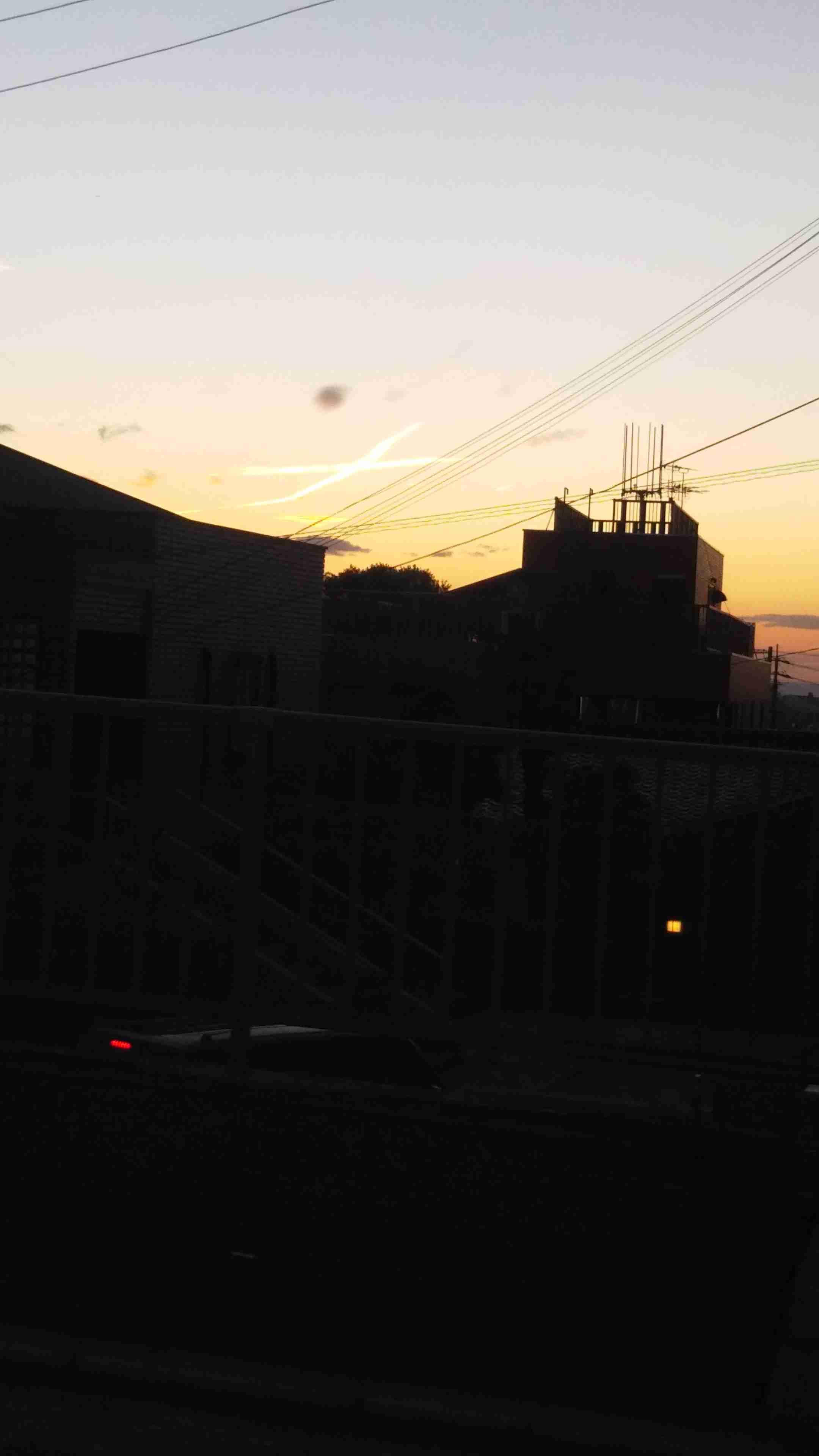 神戸上空にリアル「火の鳥」 反響ぞくぞく