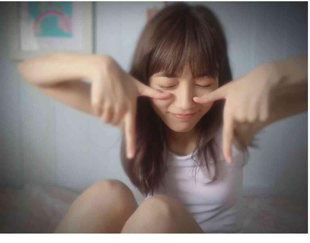 """川口春奈、寝起き姿を公開 """"口ぱっかーん""""で「起きたらよだれ祭りでした」"""
