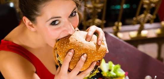 お腹が鳴った時の対処法