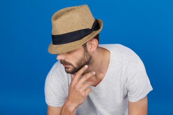 """""""秋でもTシャツおじさん""""に女性から「キモい」の声…男性が反論、ファッション関係者のアドバイスも"""