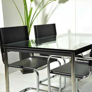 ダイニングテーブルどんなのお使いですか?