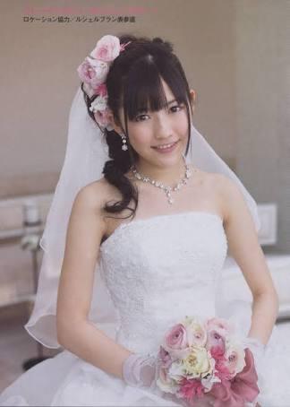 渡辺麻友 山口百恵さんばりにマイクをステージに…年内卒業を表明「緊張した」