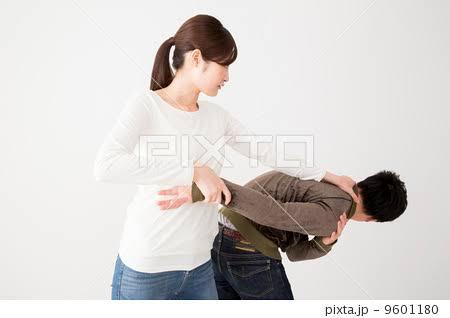 「ジジイ死ねよ!」店内で老人を蹴った女の子 取り押さえると、真相が明らかに