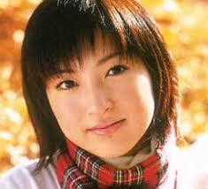 神田沙也加、イメチェン黒髪姿が「お母さんに似てる」と話題に
