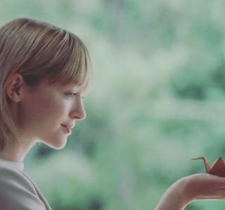 「トリバゴ」CM美女ナタリー・エモンズ、日本での人気を実感 女優業にも意欲