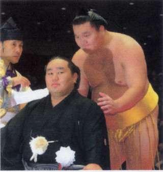 日馬富士が引退決意!きょうにも福岡県内で記者会見