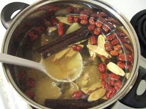 カラテカ矢部 朝食代わりに葛根湯 41キロの激やせ生活が明らかに