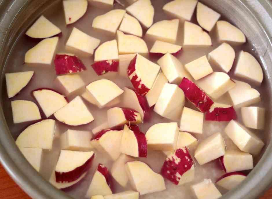 サツマイモを丸ごと入れて炊く母直伝「さつまいもご飯」に19万超のいいね!