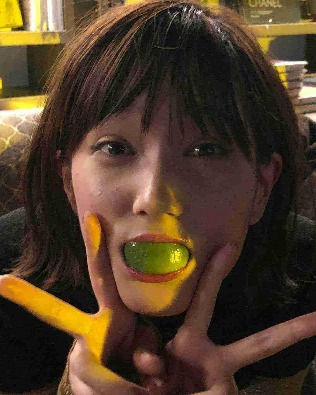 口からミカン? 本田翼&イケメン外国人の超親密2ショットにファンが発狂寸前