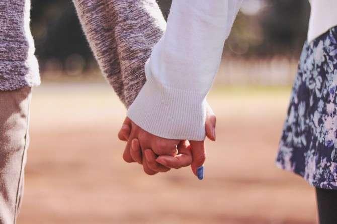 何回目のデートで手を繋ぎますか?