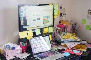 【デスクワーク】職場のデスクに置いている便利なもの!