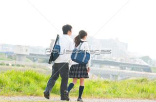 学生の頃から付き合って結婚した人
