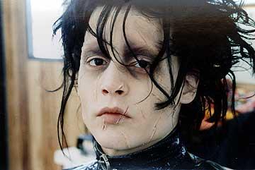 ジョニー・デップ心機一転? ぼさぼさの髪もヒゲもすっきりカット