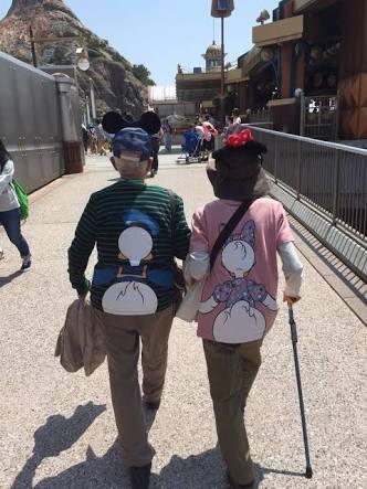 中年夫婦、カップルがディズニーランドに行くのは変ですか?