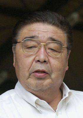 日馬富士 貴ノ岩に暴行疑惑 ビール瓶で殴打、右中頭蓋底骨折