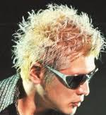 黒髪より金髪の方が似合う有名人