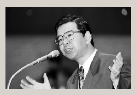 若い頃の政治家を淡々と貼るトピ