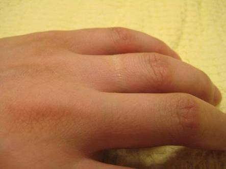 男性が結婚指輪を外す心理