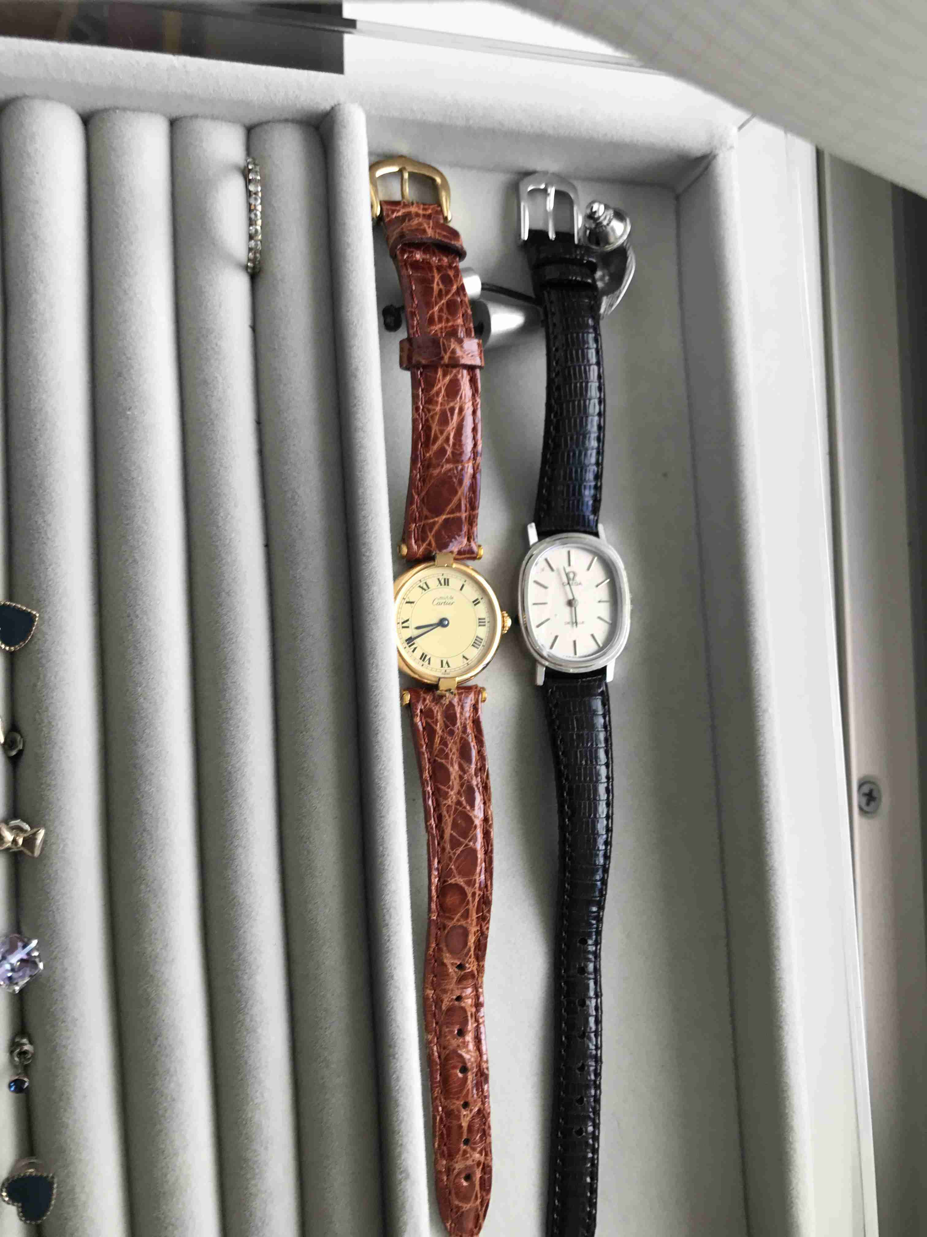 華奢な腕時計