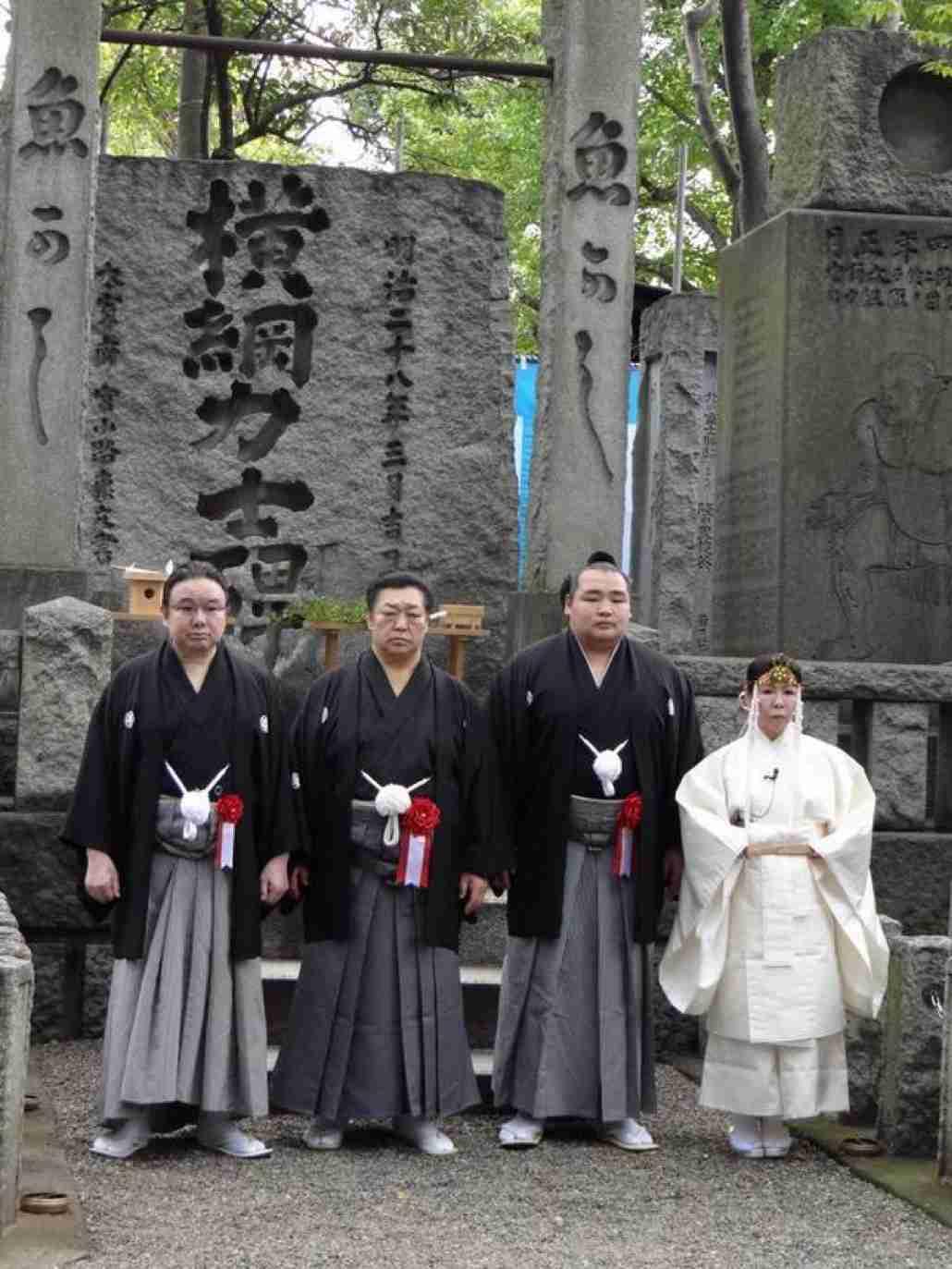 富岡八幡宮で切られ3人重傷か…不審男女逃走?