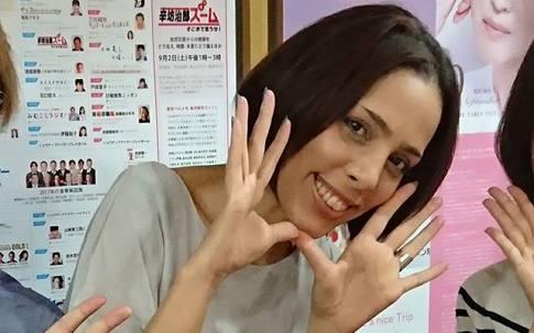 """滝沢カレン""""コンタクトレンズNG""""の理由"""