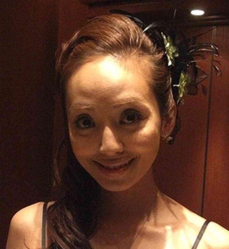 神田うの、夫とのアツアツなキス写真を公開「ラブラブな私達でした(笑)」