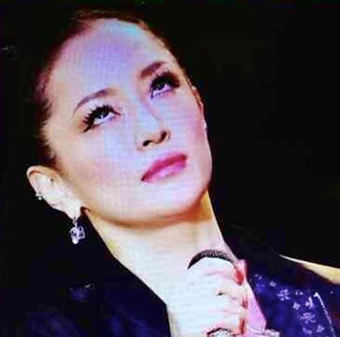 """浜崎あゆみ""""神秘的""""な写真に反響「女神ですか」「本当に美しい」"""