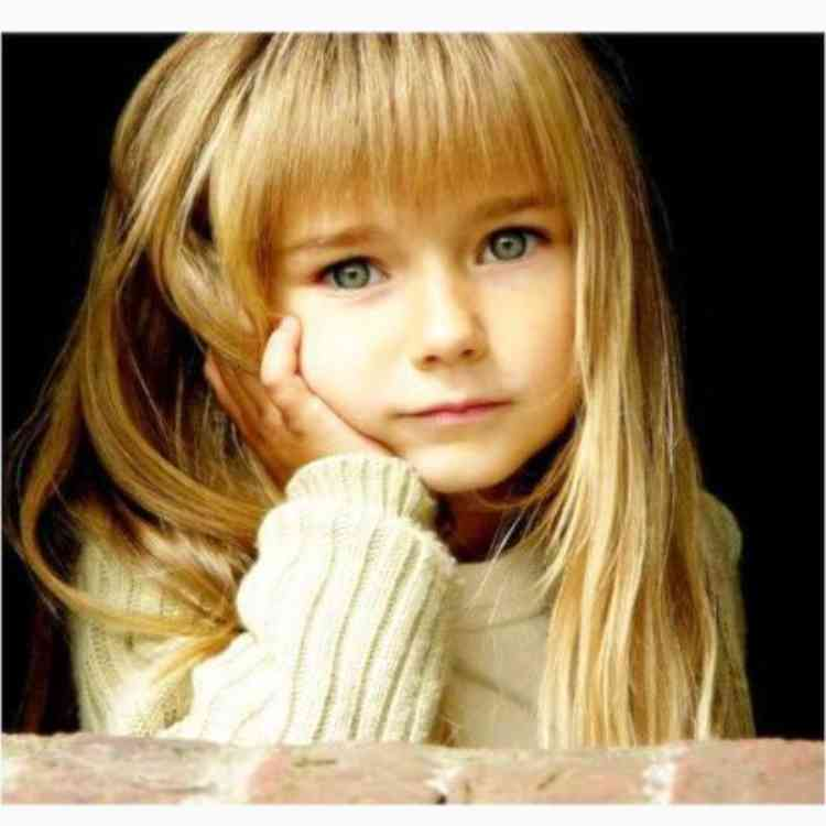 """""""世界一美しい少女""""6歳のモデルのInstagramのフォロワーが60万人を突破 兄もイケメン"""