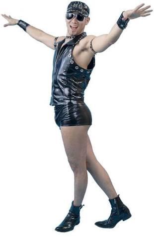 水原希子の「超ショート」デニム 自ブランドの新アイテムだけど...「寒そう」