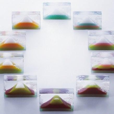 美しい…切るごとに絵柄が移り変わる羊羹が芸術的 福島の老舗菓子店の技とアイディアに感嘆の声集まる
