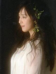 和と洋の要素を併せ持つ女優、モデル