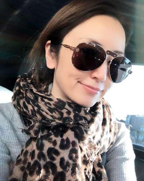 矢田亜希子、保護者会へ向かうサングラス姿に「女優の貫禄」!