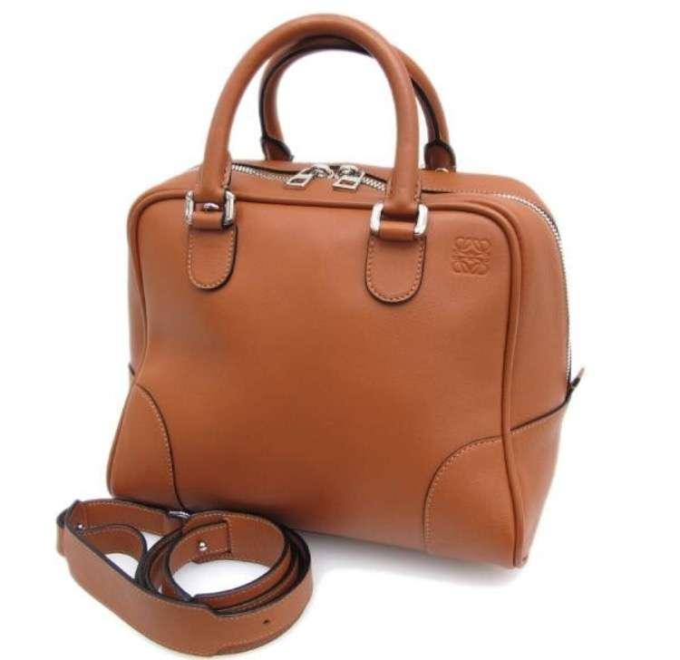 通勤用に長く使えるハイブランドバッグ