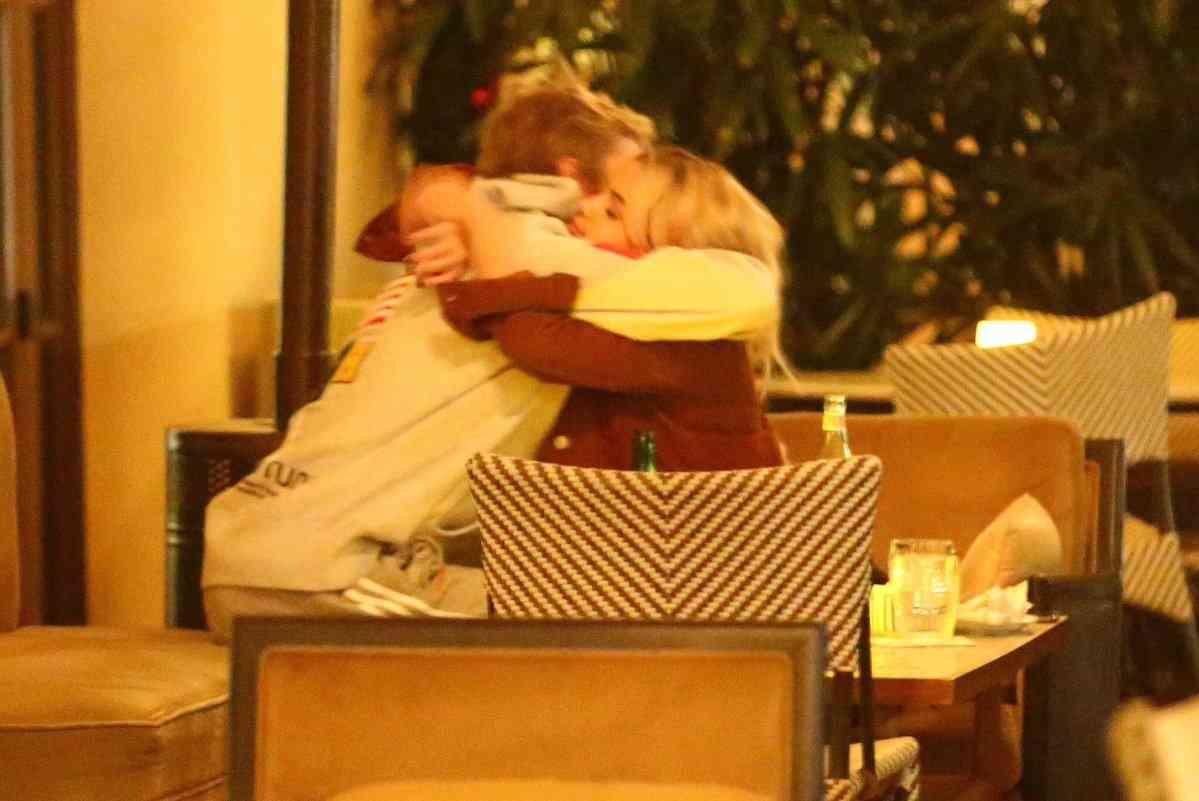 セレーナ・ゴメスのイメチェンにジャスティン・ビーバーが謎の反応、ファン困惑