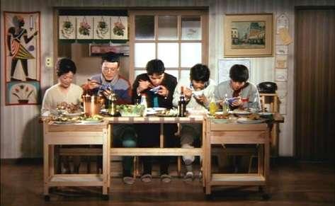 ドラマや映画で参考になりそうな食卓のシーンを教えてください