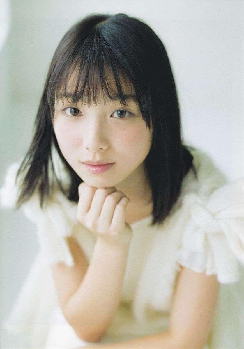 乃木坂46与田祐希の写真集、白石麻衣並ぶ初版10万部 「おデコを出した写真はお気に入り」