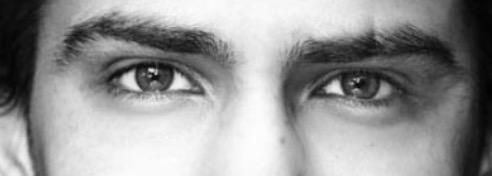 男verたれ目とつり目