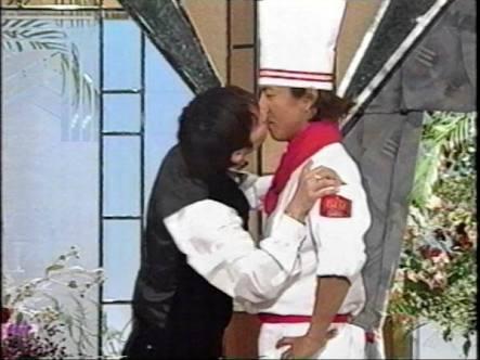 濃厚すぎるキスシーンをして「キモい」と言われた芸能人4人!滝沢秀明や江口洋介が口をパクパク…!