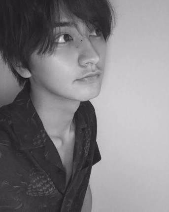 岡田結実、イケメンすぎる男装姿披露に「男でも惚れる!」の声