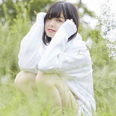 欅坂46、平手友梨奈    右腕負傷で初の武道館公演断念