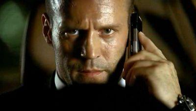 休日に仕事の電話が掛かってくる人