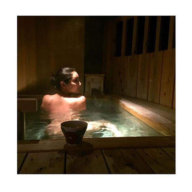 足立梨花、キュートすぎる入浴ショット 「すっぴんキレイ」と絶賛が相次ぐ
