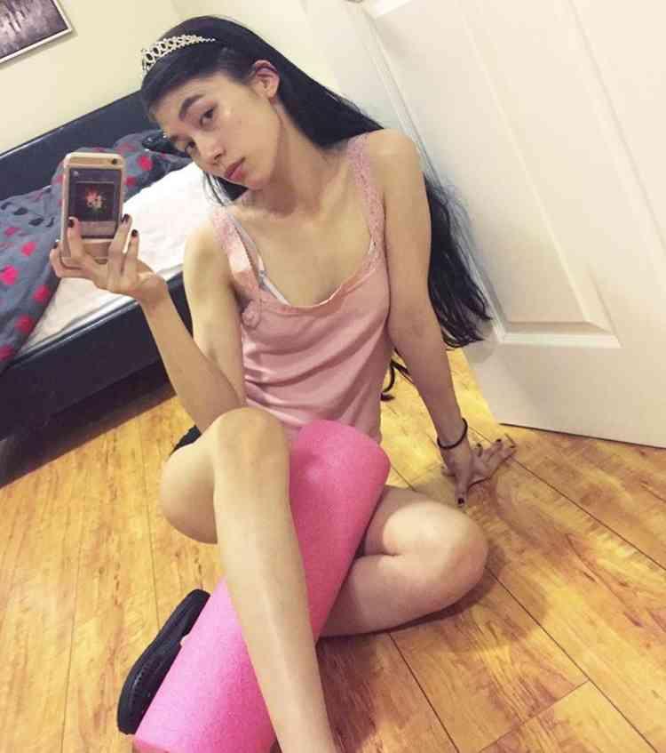 美人モデル宮本彩菜がKOHHに股間ペロペロさせる動画をインスタに掲載 …取り返しがつかない大炎上
