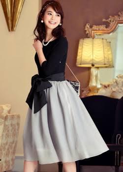 40代のかた、結婚式での服装教えて下さい