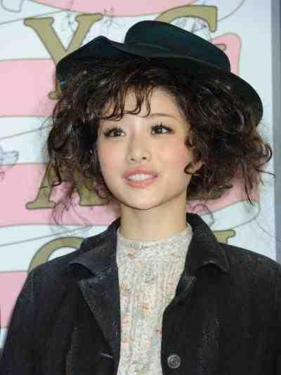 普段のイメージと違う髪型をしている芸能人の画像を貼るトピ