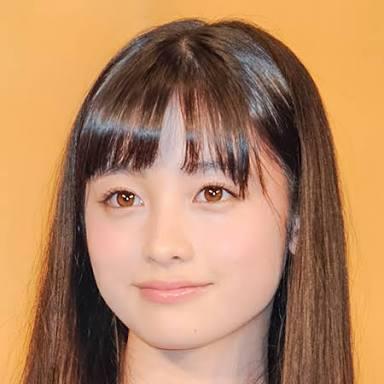 日本人なのに黒髪が似合わなすぎる